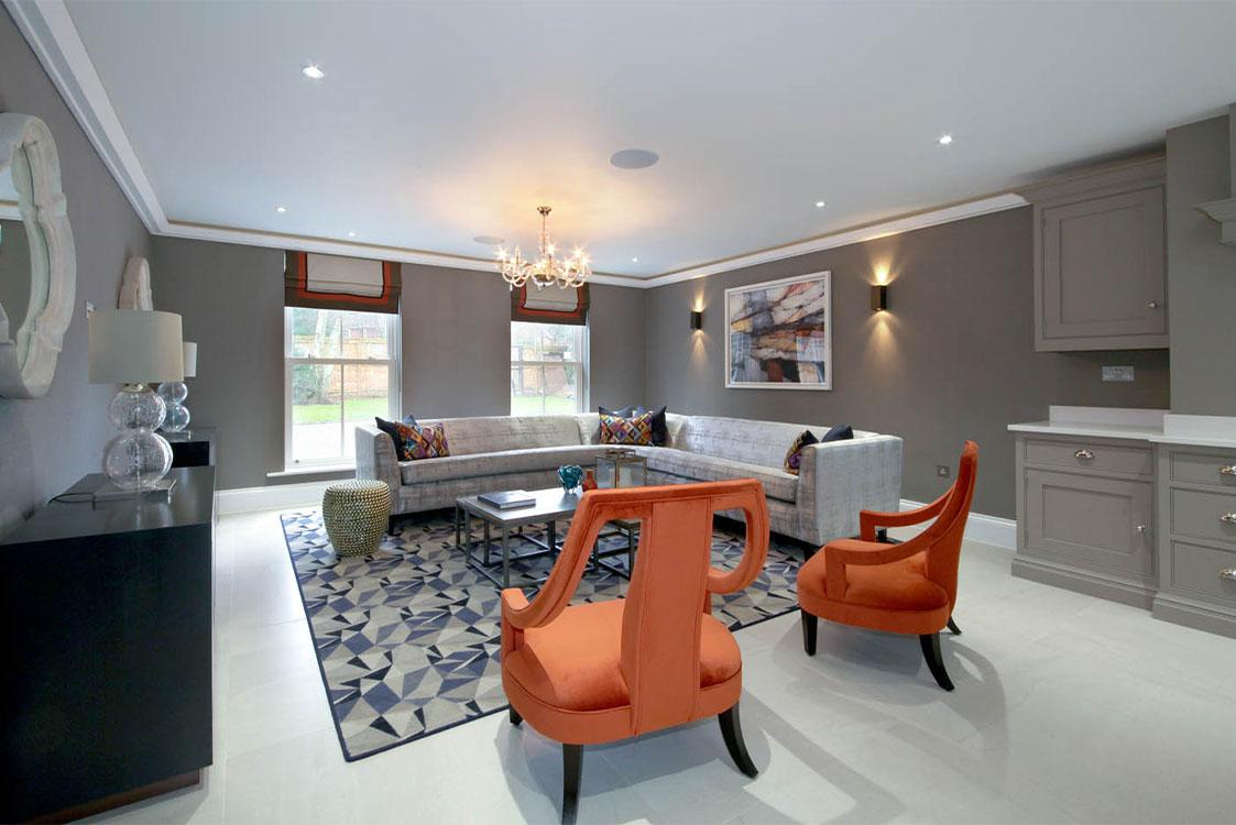 Queen Acre Family Room