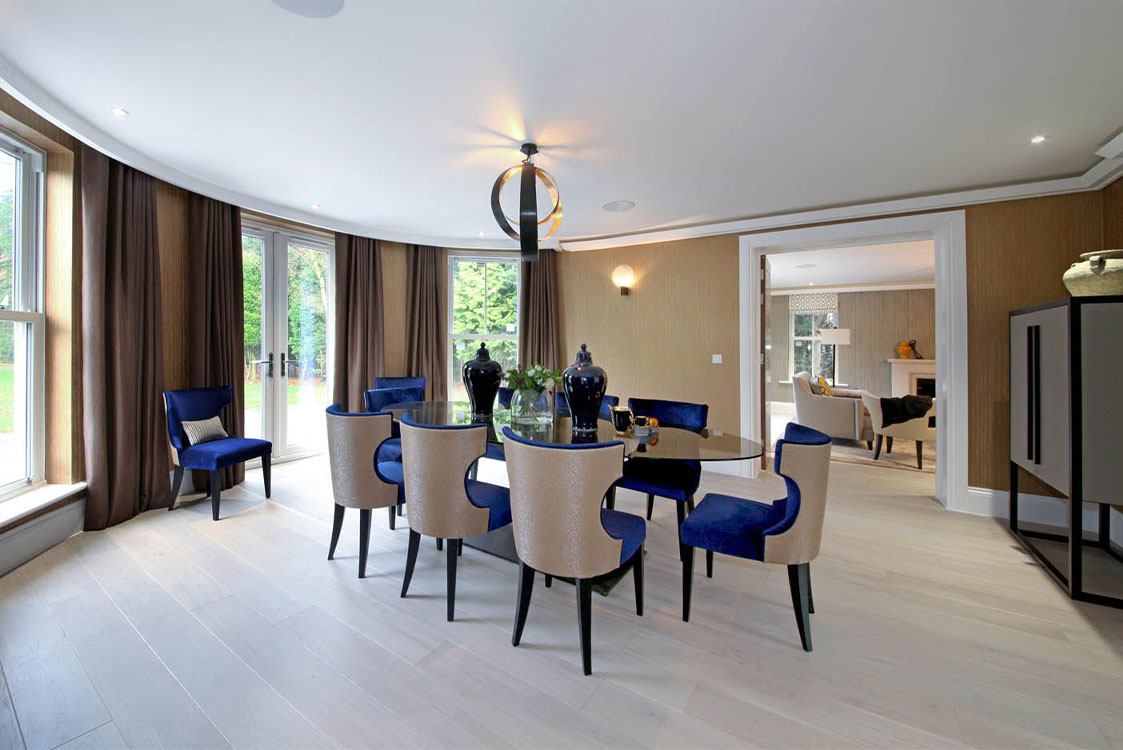 Queen Acre Dining Room