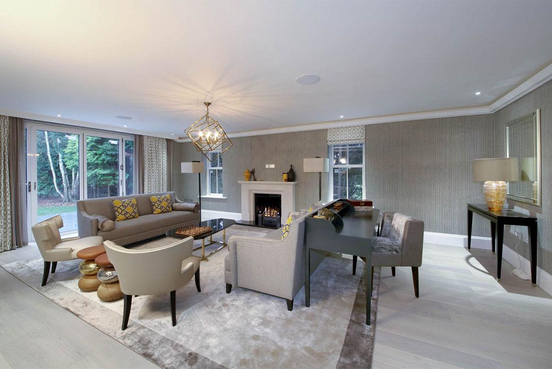 Queen Acre Living Room